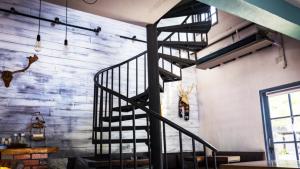 5 nguyên tắc về phong thủy cầu thang nhất định bạn phải biết